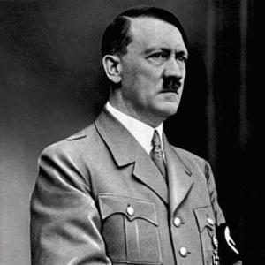 لوحات أدولف هتلر تحقق مبيعات أضعاف المتوقع