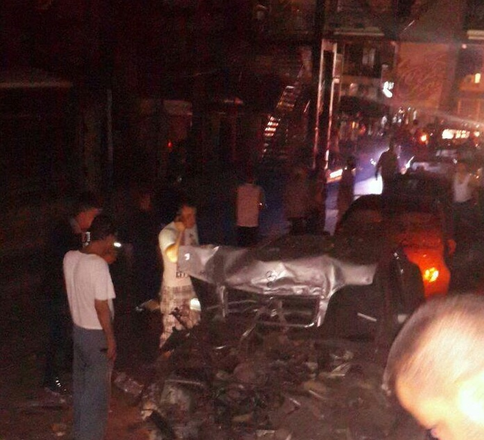 بالصور : قتيل وجرحى في انفجار ضخم بطرابلس