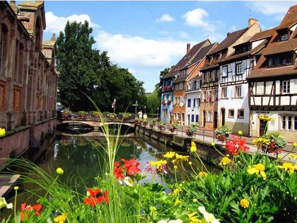 بالصور ..  كولمار الفرنسية: مدينة القنوات والجسور والمشاهير