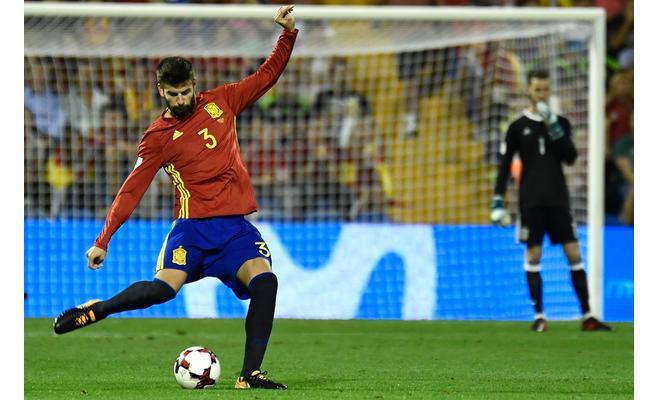 إيسكو: بيكيه لاعب مهم للمنتخب الإسباني
