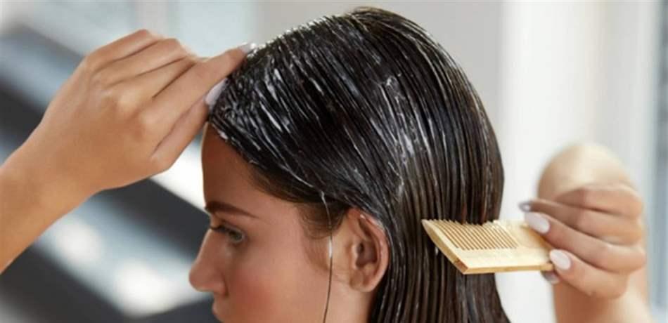 لاستعادة كثاقة الشعر بعد تساقطه ..  هذا ما يجب إضافته إلى الحناء!