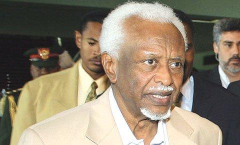 وفاة الرئيس السوداني الأسبق عبد الرحمن سوار الدهب