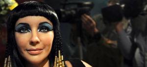 """لن تصدق  .. علماء يعيدون تركيب """"عطر"""" ملكة مصر"""