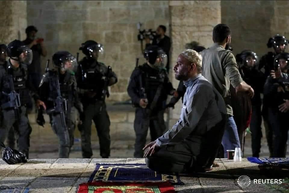"""""""ليلة القدر"""" تستنفر الاحتلال في القدس ..  تعزيزات ومنع إدخال وجبات إفطار للأقصى"""