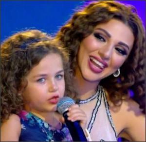بالفيديو .. طفلة تقتحم مسرح ميريام فارس