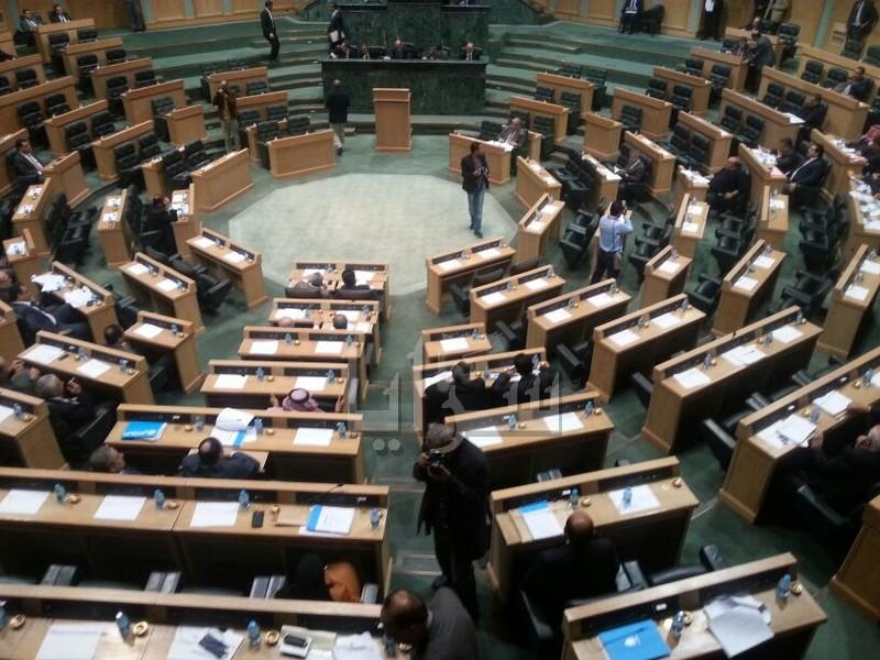 الخلايلة يطالب الحكومة بمتابعة أوضاع الطلبة الأردنيين في اوكرانيا