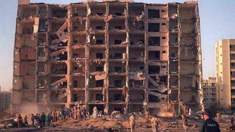 محكمة أمريكية تأمر إيران بدفع 879 مليون دولاراً بعد تورطها بتفجير أبراج الخُبر في السعودية  ..  تفاصيل