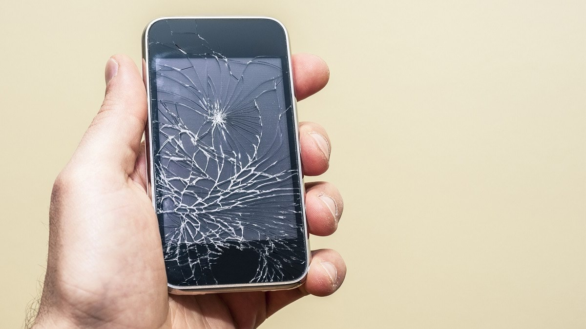 ابتكار شاشة هاتف تعالج نفسها من الكسور