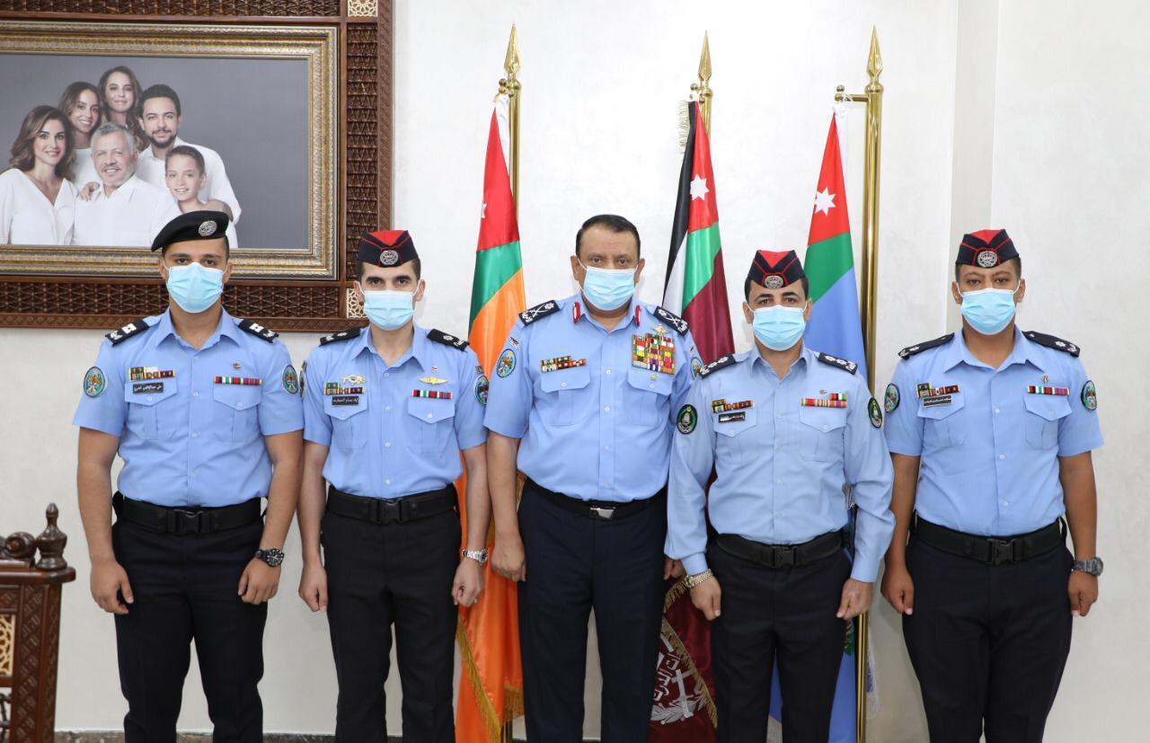 هدايا ملكية لكوكبة من مرتبات الأمن العام ممن حصلوا على المراكز الأولى بمشاركاتهم الخارجية
