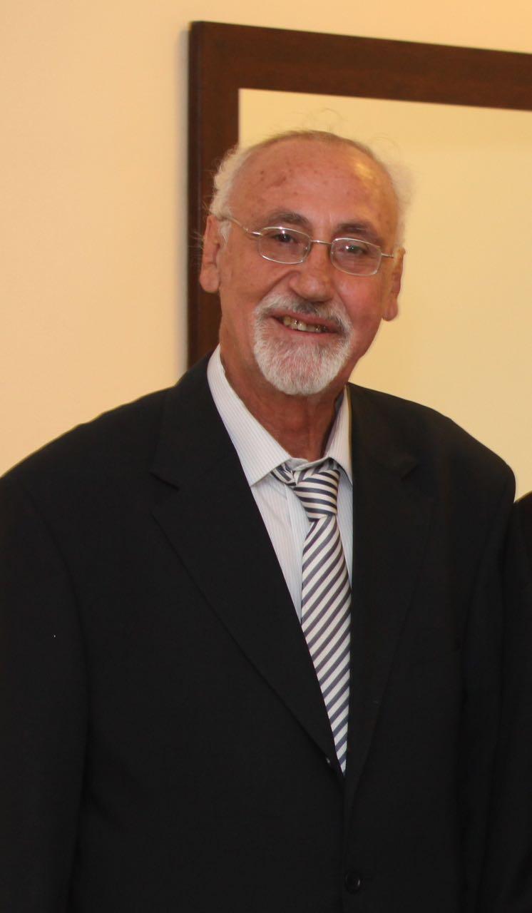 مشاركة عزاء بوفاة الدكتور هشام العزه