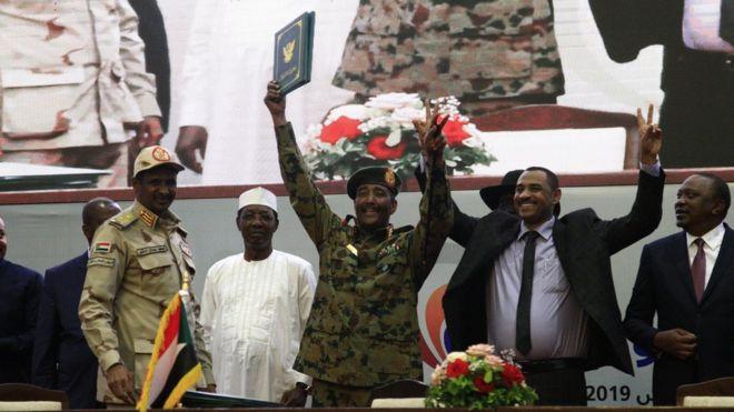 السودان يصوغ تاريخه الجديد بتوقيع وثائق الفترة الانتقالية