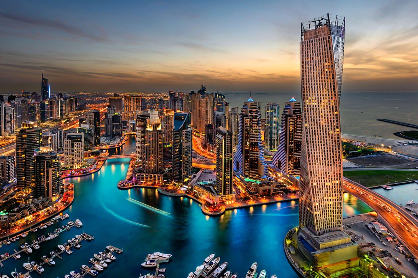 بالفيديو  ..  السياحة في دبي وأبرز المعالم السياحة التي تستحق زيارتك
