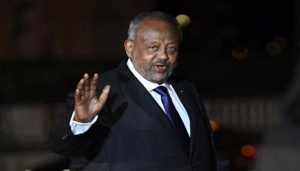 رئيس جيبوتي يعود لبلاده ويقضي على شائعات حول صحته