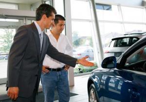 حتى لا ''يغلبك'' البائع.. 5 حيل لشراء سيارة بأفضل سعر
