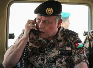 ماذا طلب الرئيس الفرنسي من الملك خلال اتصال هاتفي بينهما ؟