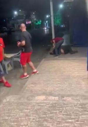 ناشطون يتناقلون فيديو يظهر إطلاق نار على شاب في الصويفية  ..  والامن لسرايا : البحث جار عن المعتدين