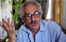 صنع الله إبراهيم يفوز بجائزة اتحاد كتاب مصر للتميز في الرواية