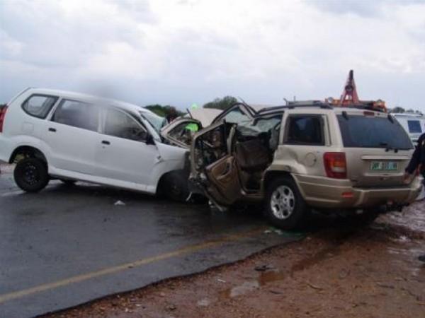 إصابة مواطن بجروح خطيرة جراء حادث سير شرق جنين