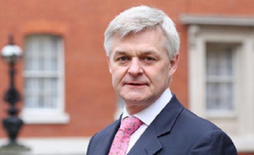 السفير البريطاني يوضح اسباب استثناء الأردن من قائمة الدخول لبلاده دون حجر