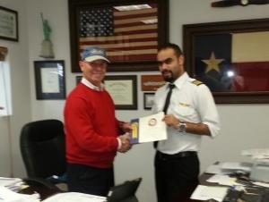 تهنئة من ابو نادر وأولاده للكابتن الطيار زيدون الخوالده بمناسبة التخرجوحصوله على رخصة الطيران