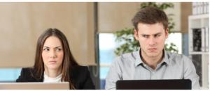 كيف تتعامل مع زميلٍ في العمل لا تطيقه؟