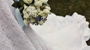 عمان : سيدة تعد مفاجأة لزوجها في حفل زفافه من اخرى