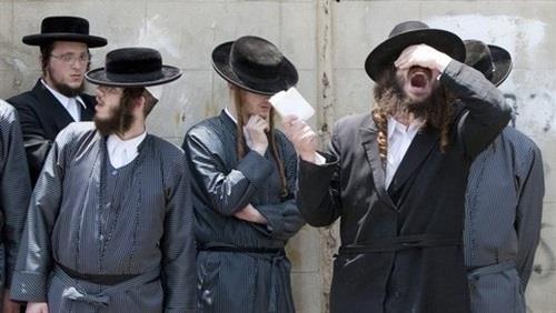 """حاخامات يهود يقتحمون """"الأقصى"""""""