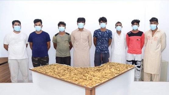 الإمارات تطيح بعصابة الذهب المزيف