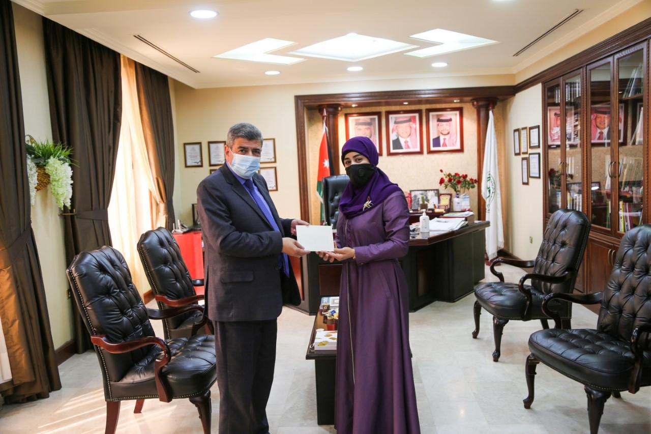 جامعة الزيتونة الأردنية تكرم المعلمة ميساء الهويمل لفوزها بجائزة الملكة رانيا العبدالله للتميز التربوي