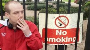 """يملكه منذ 8 سنوات .. بريطاني يفقد حسابه على """"فيس بوك"""" بسبب اسمه الغريب"""