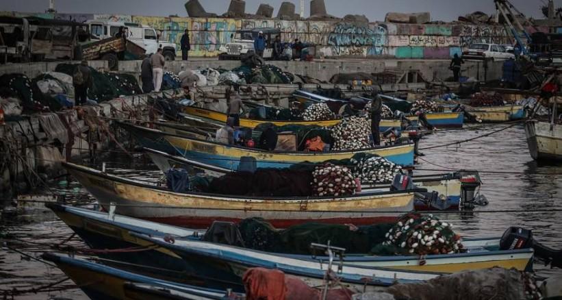 زوارق الاحتلال تطلق النار باتجاه قوارب الصيادين غرب السودانية