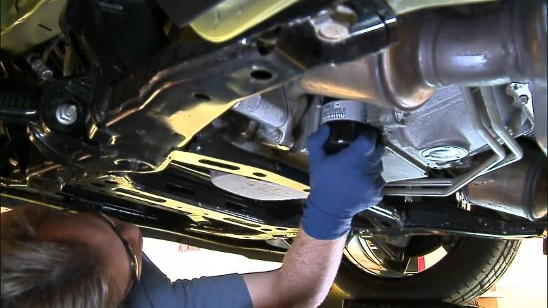 3 أسباب لانفجار فلتر الزيت بالسيارة
