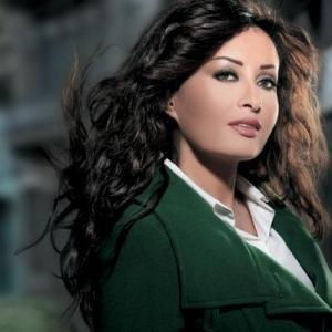 لطيفة تشارك في حملة ترميم مدارس تونس