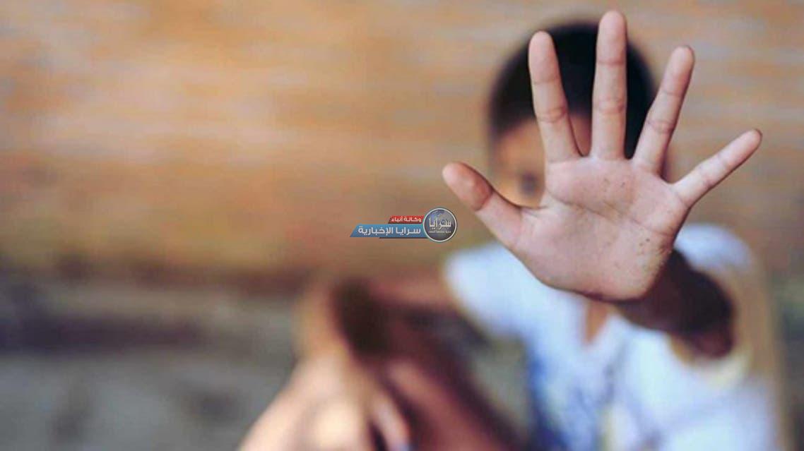 فيديو يشعل مواقع التواصل في مصر ..  أم تضرب طفليها بوحشية