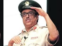 """خدم فيها 33 سنة  ..  إقالة قائد شرطة دبي """"ضاحي خلفان"""""""