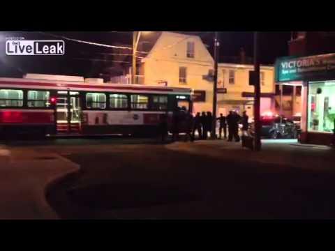 ضابط يطلق 9 رصاصات على مراهق في 13 ثانية