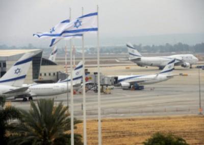 """الاحتلال يمنع """"فلسطيني"""" من الدخول بحذائه للطائرة في """"بن غوريون"""""""