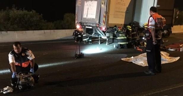 مصرع 3 مستوطنين دهسا تحت عجلات شاحنة شرق القدس