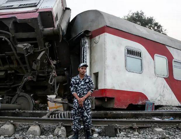 إقالة رئيس هيئة السكك الحديدية المصرية