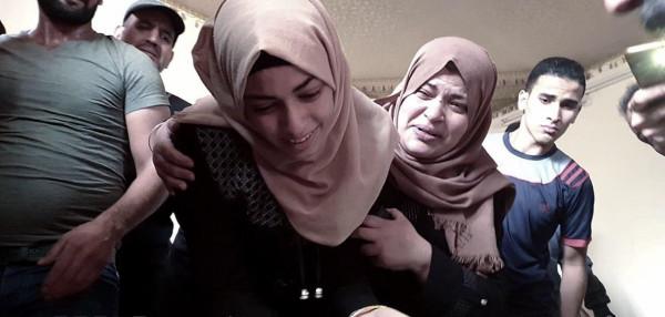 """فيديو مؤثر لوداع زوجة شهيد : """"إيش يا عمري استشهدت لمين تركتني"""""""