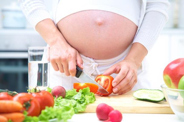 أطعمة طبيعية تخلصك من أعراض الغثيان