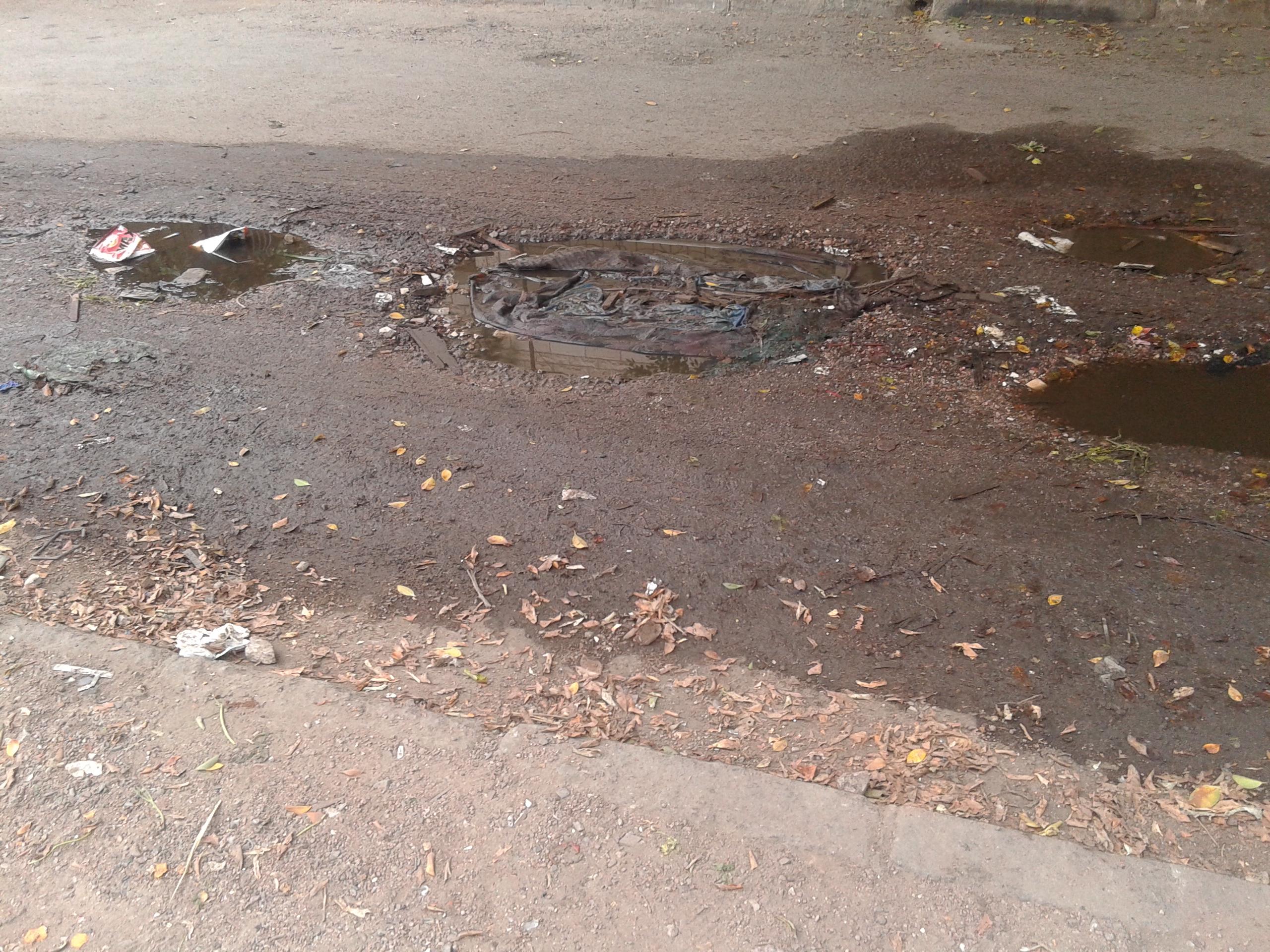"""الصقبة : شوارع """" محفرة """" و اهمال من قبل المسؤولين (صور)"""