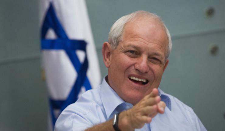 على خلفية الاحتيال والخيانة .. وزير إسرائيلي يستقيل اليوم