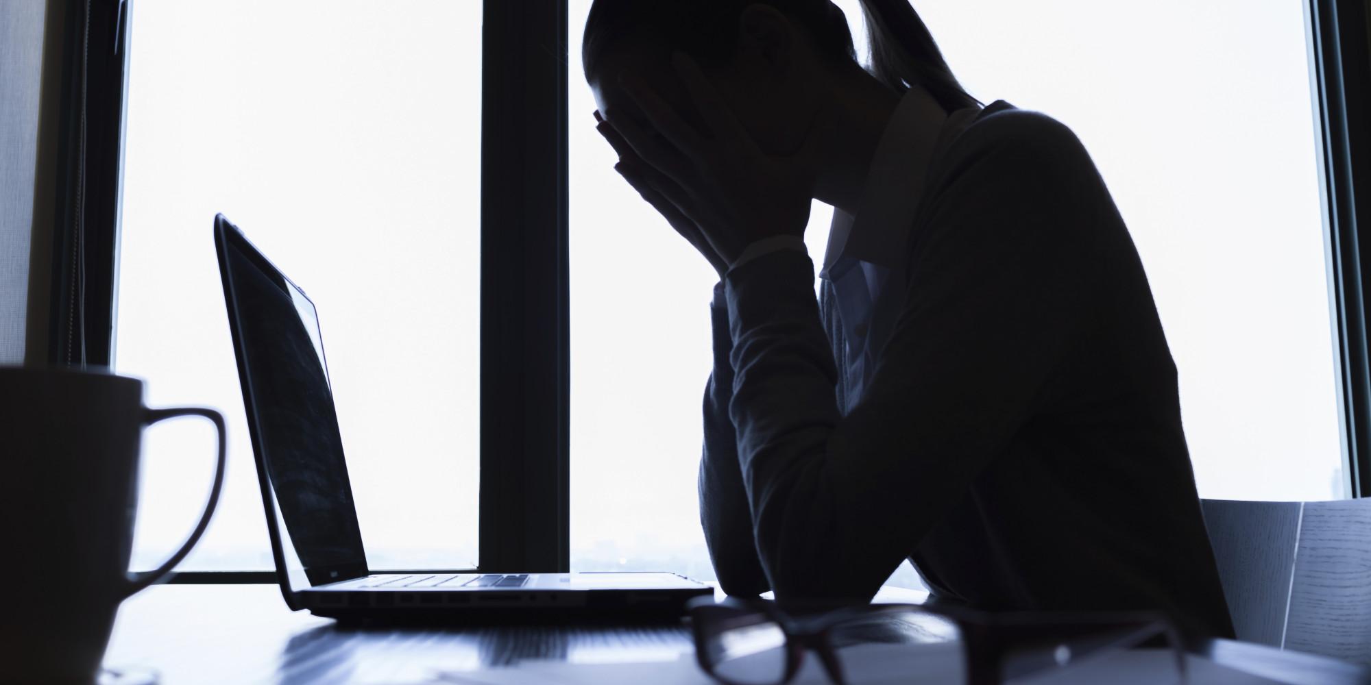 """ظاهرة التنمر الإلكتروني ترتفع بين الاردنيين   .. وخبير قانوني لـ""""سرايا"""" :عقوبات تصل للسجن (3) سنوات"""