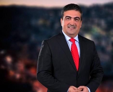المذيع المتألق ياسر النسور  ..  اسم فخم و صوت يصدح و يؤرق الفاسدين