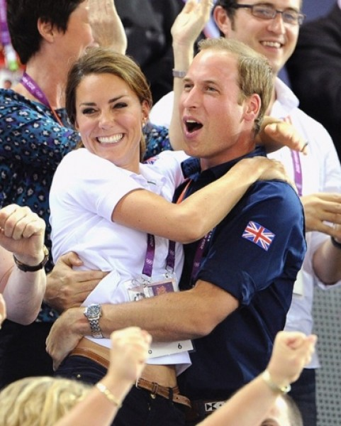 الأمير وليام ممنوع من إمساك يد زوجته كايت!