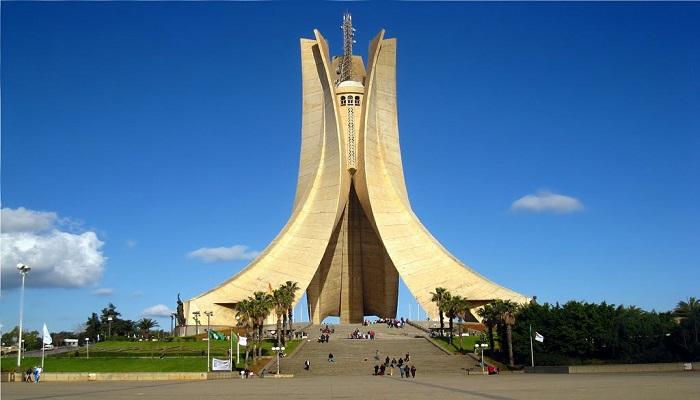 الأنشطة السياحية في الجزائر