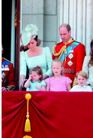 بالصور .. كايت ميدلتون بعيداً عن البروتوكول الملكي ..