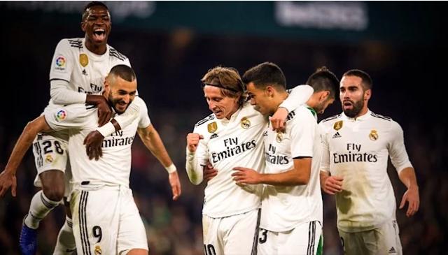 بالصور  ..  ريال مدريد يحقق انتصاراً قاتلاً على بيتيس
