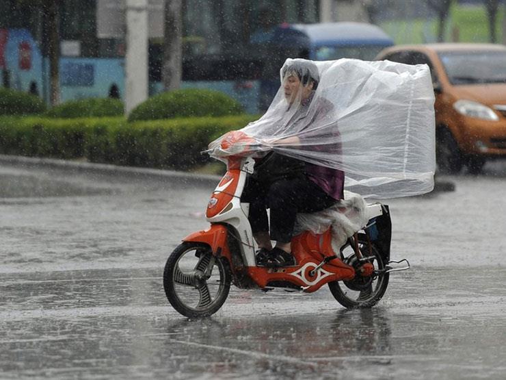 """اصحاب """"الدراجات النارية"""" ..  نصائح للقيادة بأمان في الشتاء"""
